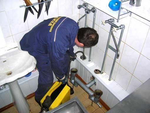 Как выпонить прочистку канализации